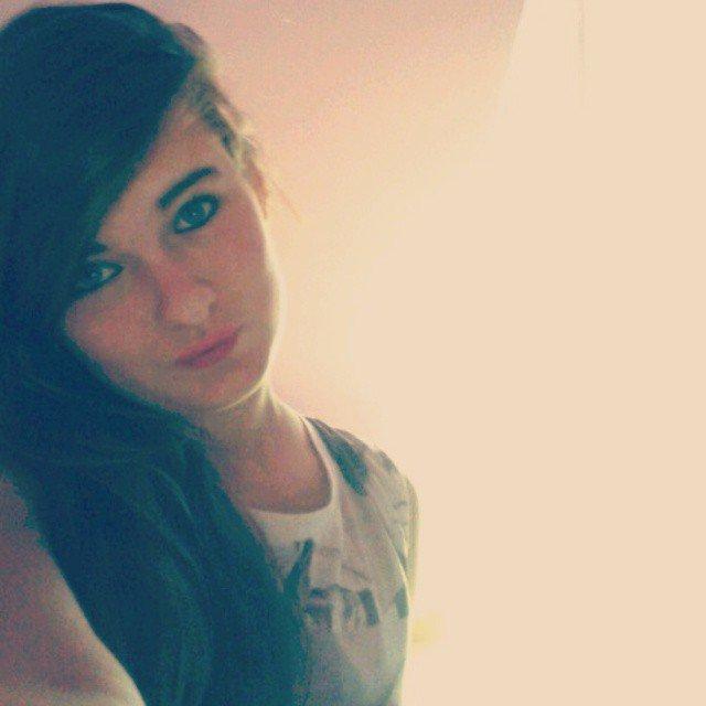 Tu m'as demander de sourir,j'ai souris,tu m'as demander de rigoler pour oublier mes problemes,j'ai