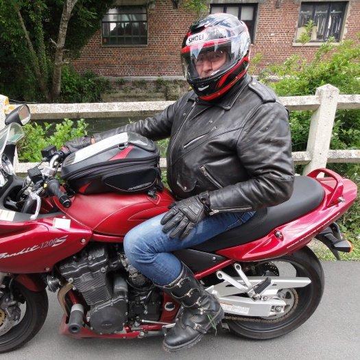 Gégé sur sa Moto
