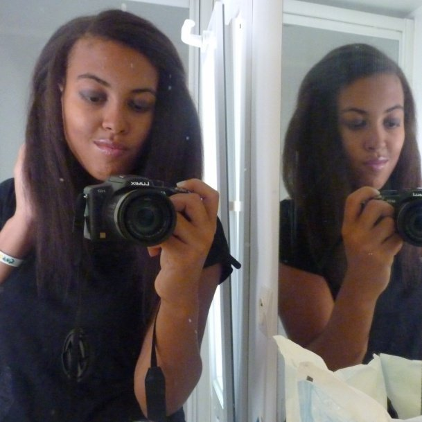 Just£ m£ and my cam£ra !! I lov£ my hair h£r£ *o*
