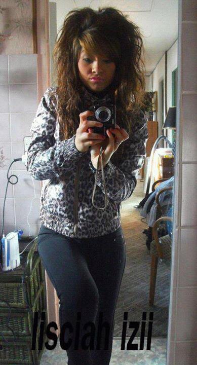Hey moi c'est Lisciah Leila ! <3 Tu sais que si tu aime ma photo je t'aiiiiime <3 .. !!