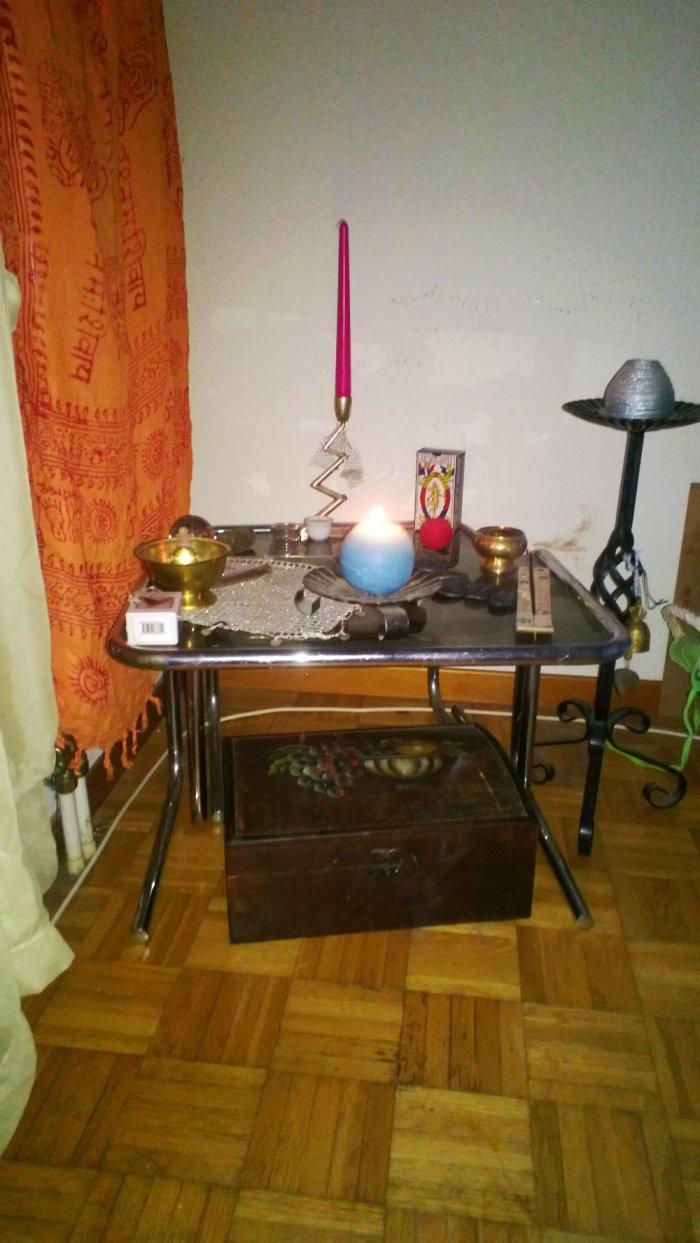 Table pour petit rituel