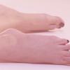soumis-aux-pieds-des-f