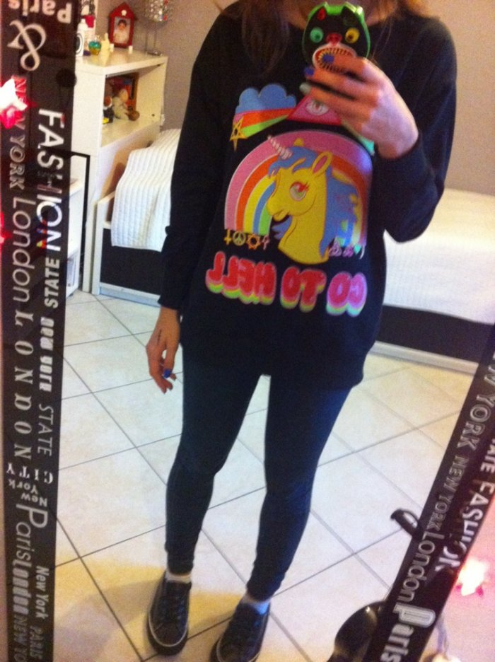 Mon pull préféré! :D (Pas touche à la photo! >3<)