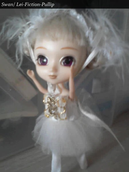 Sarah (little pullip Swan)