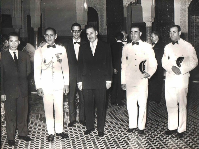 Crown Prince Moulay el-Hassan, second from left