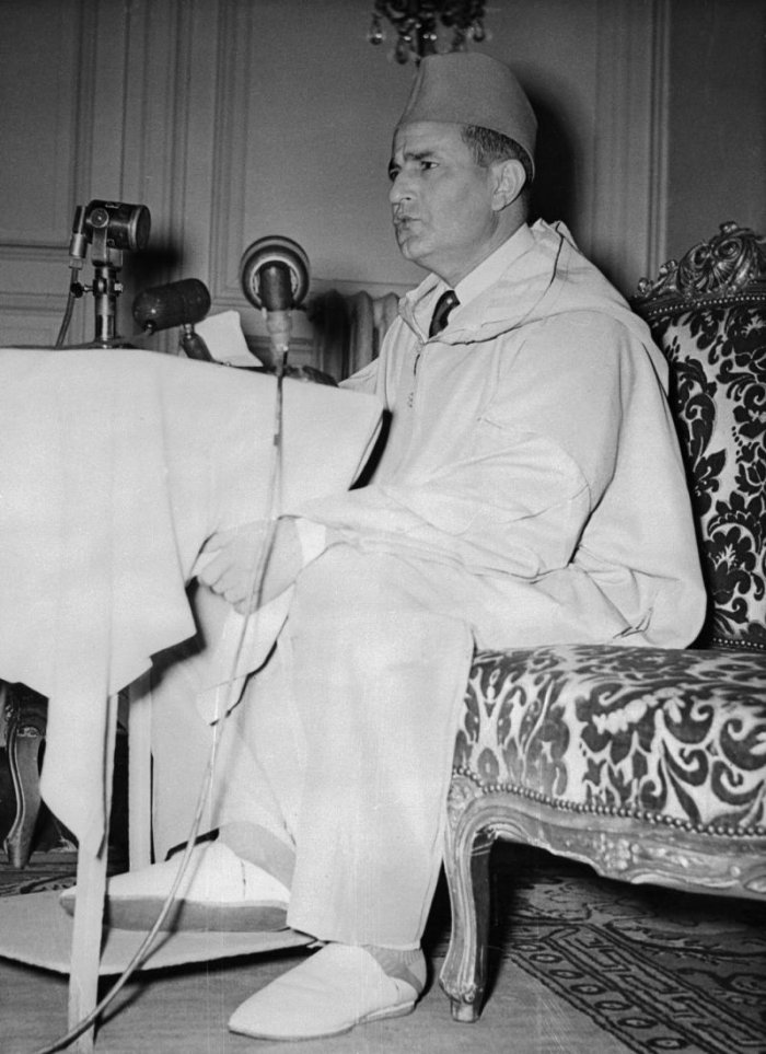 King Mohammed V giving an interview