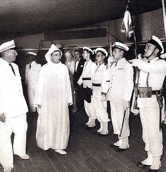Sultan Sidi-Mohammed visits the Royal Marine