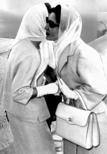 Queen Zein greeting her daughter-in-law princess Muna