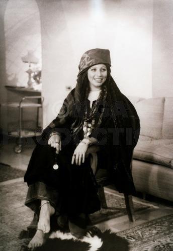 Queen Alia in jordanian traditional dress