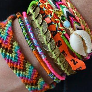 Grande pasionner des braceler je sais pas vous mais moi c est mon accesoir preferer:)
