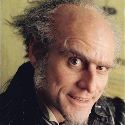 Comte Olaf ^^ personnage génialissime joué par Jim Carrey ^^