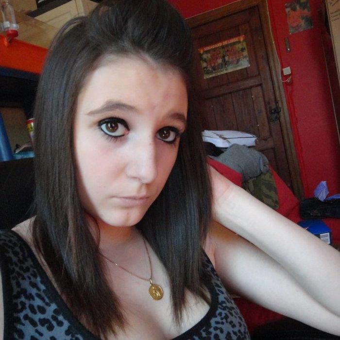 Je sais j'suis belle t'as plus qu'a t'rabiller ;)