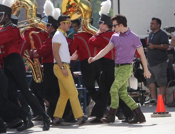 """Blaine et Kurt chantant:""""got to get you into my life"""" fans l'épisode 1 de la saison 5"""