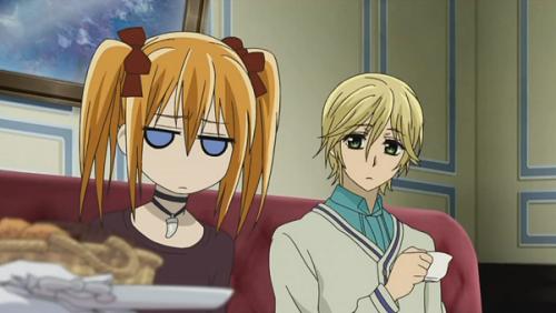 Rima fait la tête xD Et Takouma l'a regarde