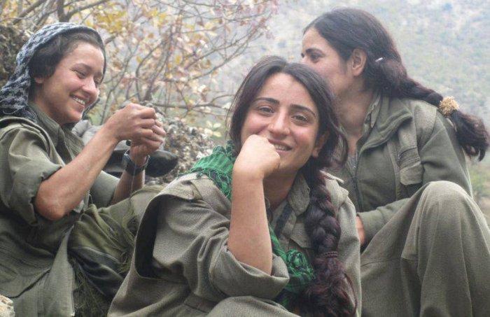 Jeune combattantes Kurde