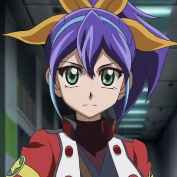 Takahashi Kirara avec l'uniforme de la Rébellion