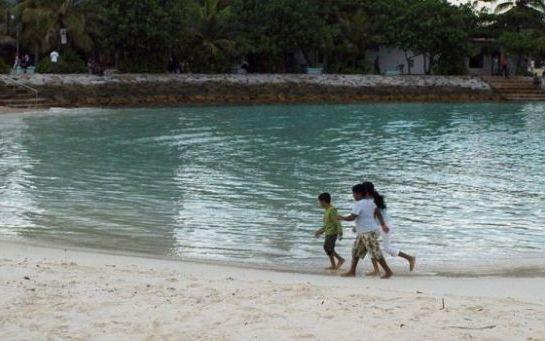 Les Maldives rétablissent la peine de mort pour les enfants, la Toile se mobilise