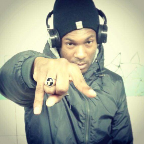 M.O.B v DJ SKUNK - Space Montain (TheGameRiddim By DJ DIGITAL) 2015(2).mp3