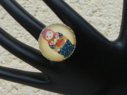 Bague cabochon réglable verre poupée russe