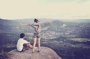 Avec ou sans toi je devrais avancer mais sans toi je trébucherais.