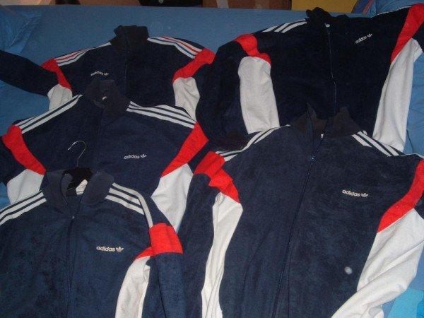 Il n'y a qu'à Molenbeek où tu peux encore trouver des vestes 'peau de pêche Adidas'