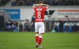 Jupiler Pro League - Le Standard s'incline 1-0 à Gand, Mouscron ramène un point de Waasland-Beveren