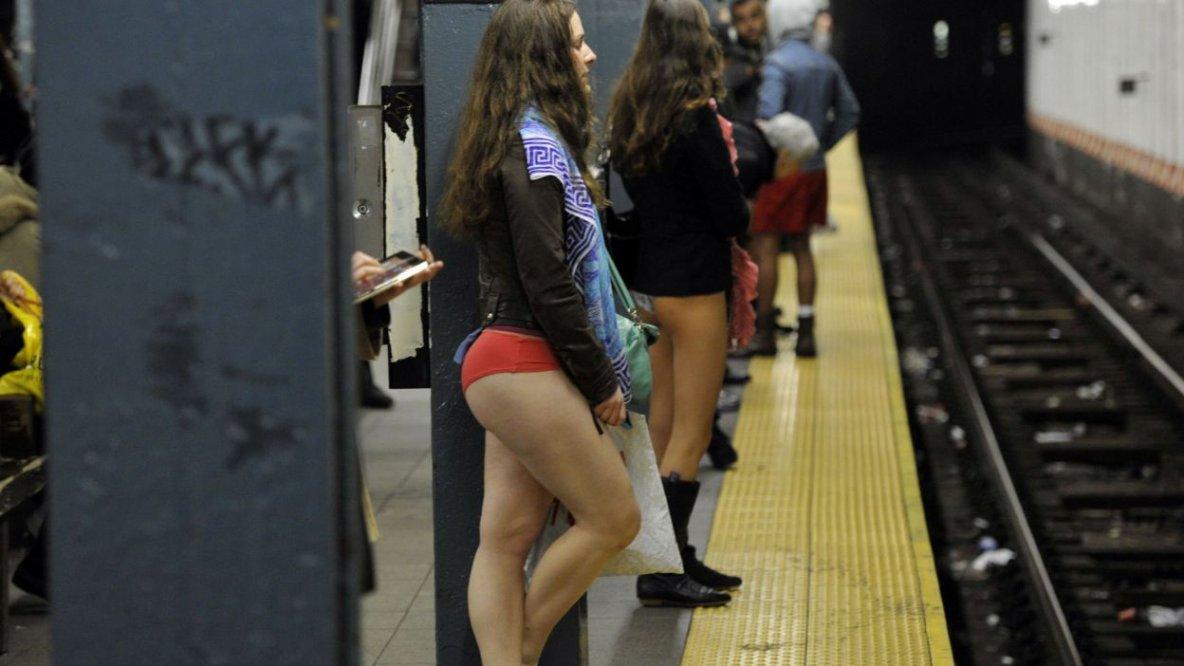 """L'événement, le """"No Pants Subway Ride"""", est organisé pour la première fois à Bruxelles"""