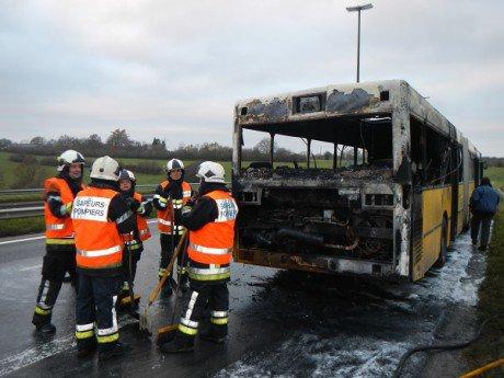 Feu de bus articulé à SPA 2 décembre 2013
