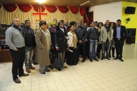 Des opposants au régime politique congolais ont lancé du gaz lacrymogène dans une église liégeoise