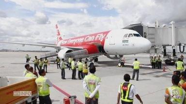 Les recherches de l'avion disparu en Indonésie suspendues pour la nuit