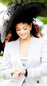 Aishwarya Rai Hairstyles | Bollywood Actress Hairstyle