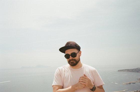 Ghern semble se réveiller d'un beau rêve et fait l'éloge de la fuite avec un nouvel EP intitulé Fortune | Muzikomag