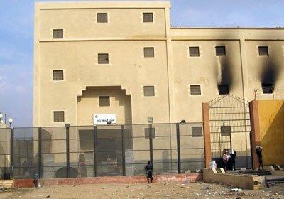مصر-  مقتل 38 من أنصار الإخوان بعربة الترحيلات