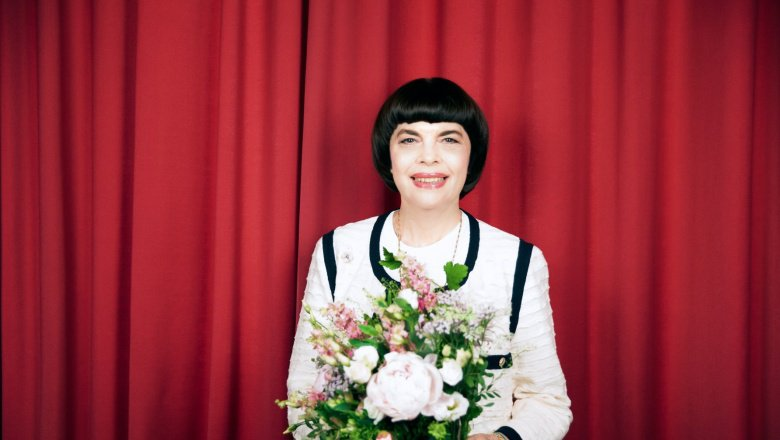 Mireille Mathieu made a special trip to Russia to see the opening of the world Cup