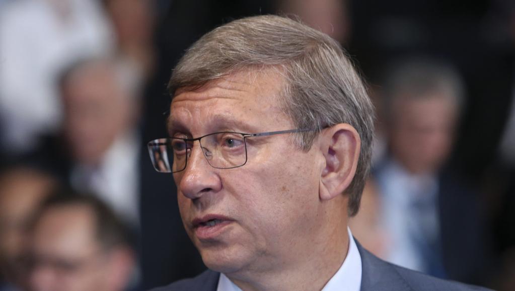Chute du rouble: une perte colossale pour les oligarques russes - Economie - RFI