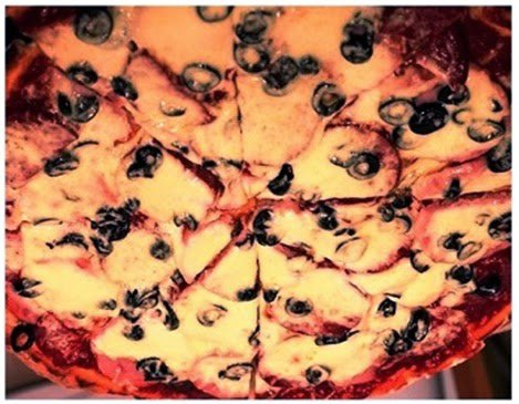 Delicious Foods: Recipe of Super Pizza.