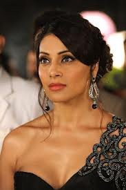 Bipasha Basu In Saree | Bipasha Pictures Gallery