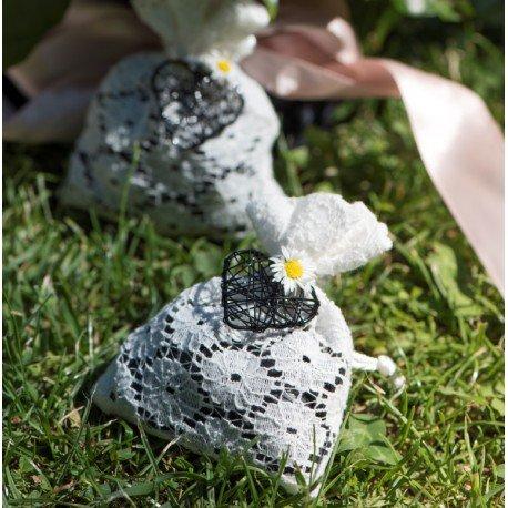 Sachet à dragées dentelle fleur x6 : achat Sachets dentelle blanche