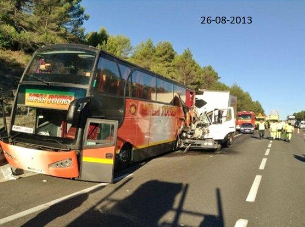 26-08-2013 - France - Accident d'un autocar Marocain dans le Var - ...