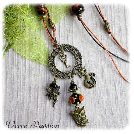Sautoir en perles de verre au chalumeau noir et orange : Collier par verrepassion