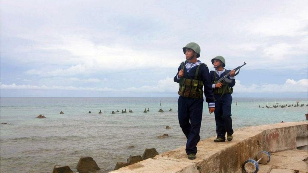 South China Sea: Vietnam halts drilling after 'China threats' - BBC News