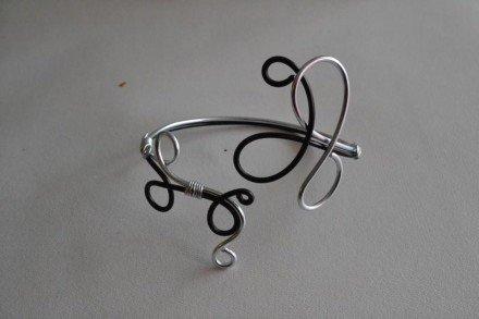 Bracelet argenté et noir : Bracelet par changeline-crea sur ALittleMarket