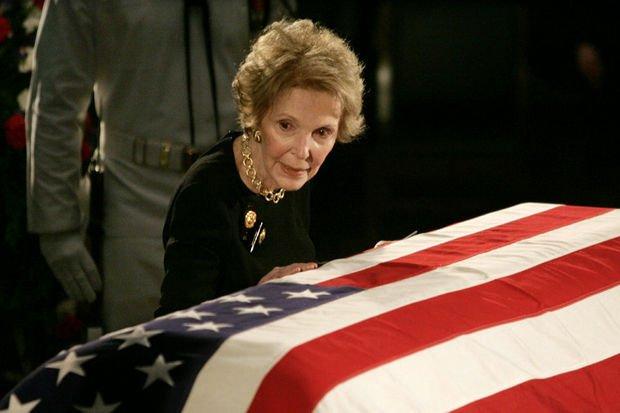 Décès de Nancy Reagan, influente ex-première dame des Etats-Unis