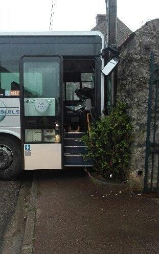 Marolles-en-Beauce : le chauffeur du bus scolaire accidenté avait fumé du cannabis