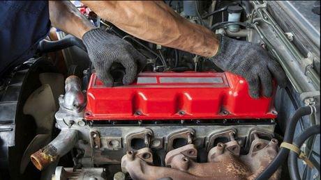 Transformer sa voiture Diesel en voiture électrique, c'est aujourd'hui possible ! Un inventeur français travaillant...