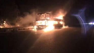 Un autocar transportant 37 Belges prend feu en Espagne: tous les occupants sont sains et saufs