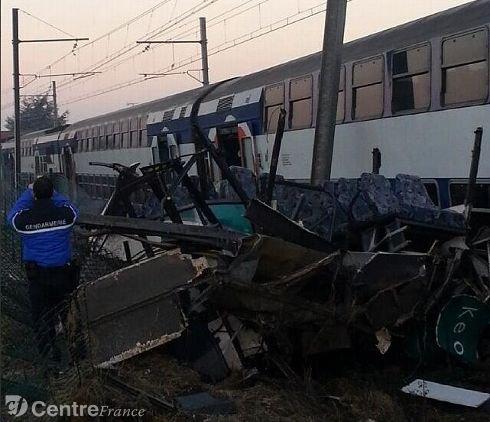 Collision entre un RER D et un bus : circulation perturbée jusqu'à Malesherbes