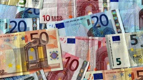 gagnez des bons d'achats de 20 000 , 10 000 et 5000 euros
