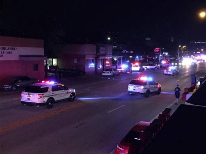 Orlando spara sulla folla in locale gayAlmeno 20 morti, 42 feriti