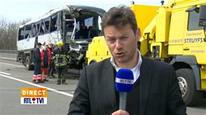 Dernières infos en direct sur l'accident de car à Ranst - Vidéo - RTL Vidéos